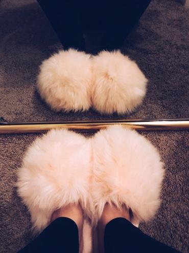 https://www.target.com/p/women-s-plush-slippers-xhilaration-153-ivory/-/A-52701967#lnk=sametab&preselect=52631597